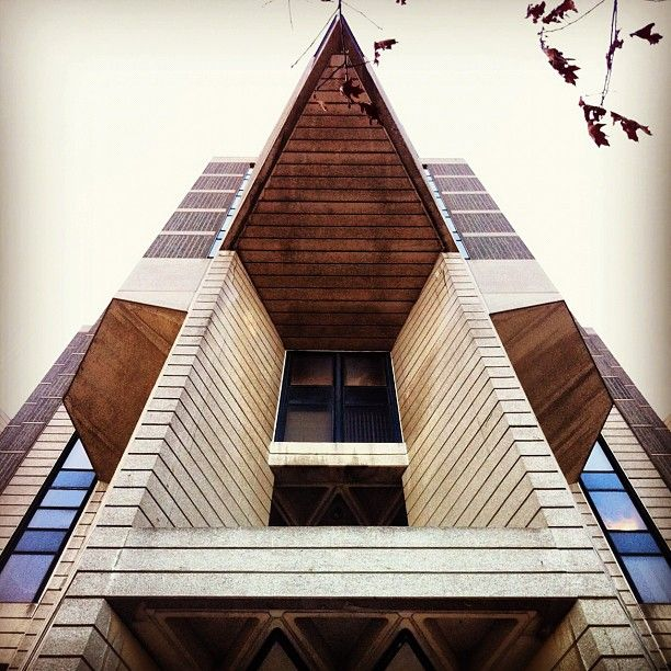 UofT Robarts Library in Toronto, ON