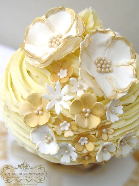 golden wedding cake with cupcakes 361 best beautiful wedding cupcake ideas images on 14779