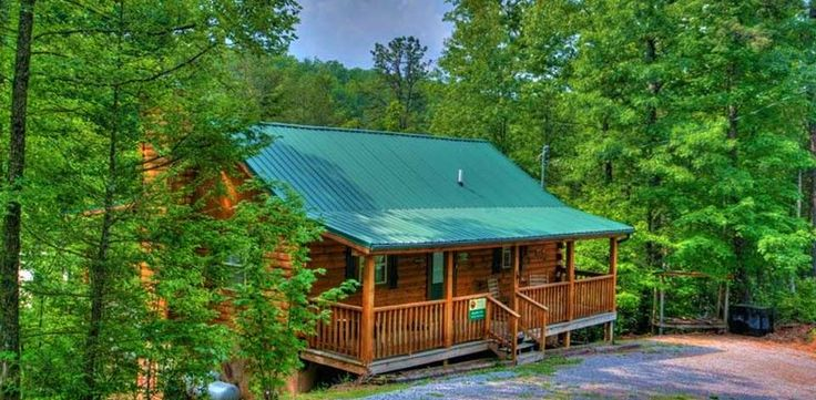 Best 25 pigeon forge cabins ideas on pinterest cabins for Discount smoky mountain cabin rentals