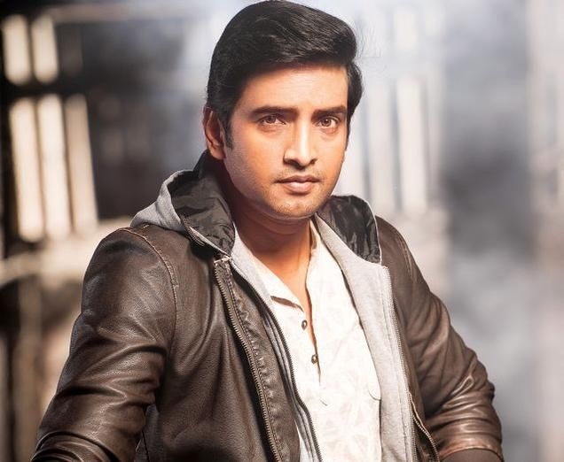All smiles for Santhanam Check more at http://www.wikinewsindia.com/english-news/thehindu-news/entertainment-news/all-smiles-for-santhanam/