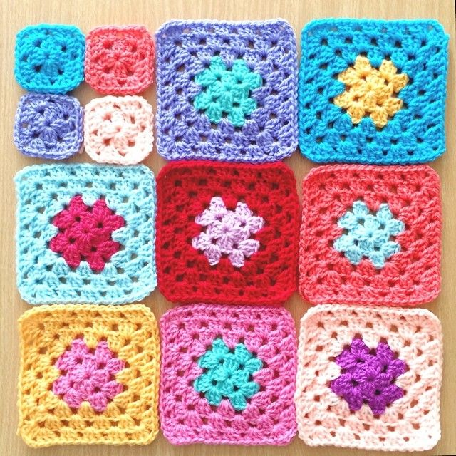 Yesterday's progress, need to step it up a bit! Only 6 days to make it I don't even know how many squares I'm making yet, completely winging it! #crochet #crochetgeek #makeitsewcial #lovetocrochet #grannysquares #gatheredbymm #instacrochet