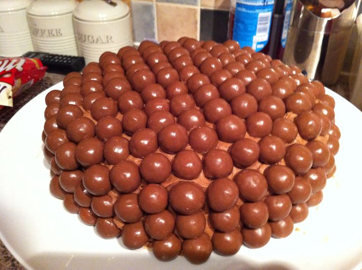 Malteser Lorraine Pascal cake.