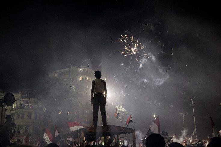 Continuing Chaos in Tahrir Square: Photographs by Yuri Kozyrev - LightBox
