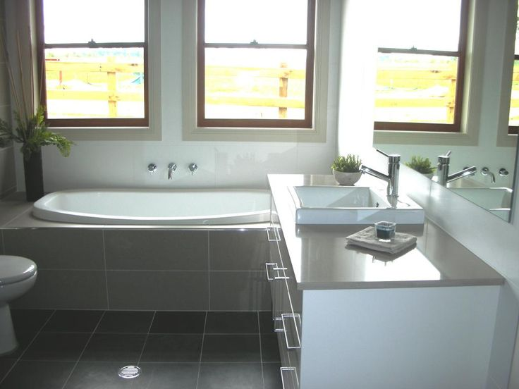 bath and vanity layout