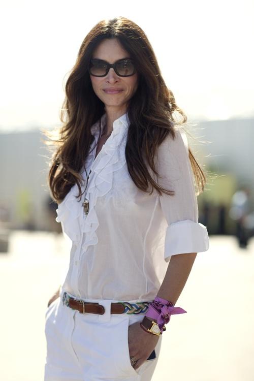 white blouse, black belt.   http://theinspired.life