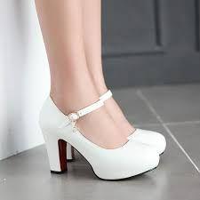 Resultado de imagem para sapato de noiva com salto grosso