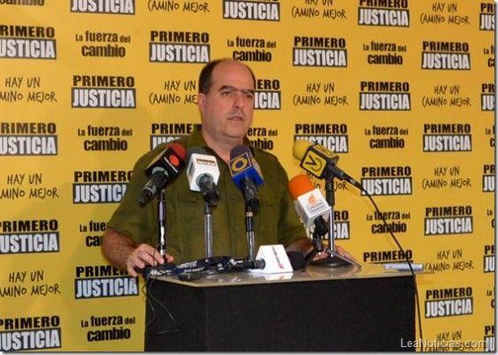 Julio Borges: Se ha destruido la producción nacional y quintuplicado la importación de alimentos - http://www.leanoticias.com/2013/07/07/julio-borges-se-ha-destruido-la-produccion-nacional-y-quintuplicado-la-importacion-de-alimentos/