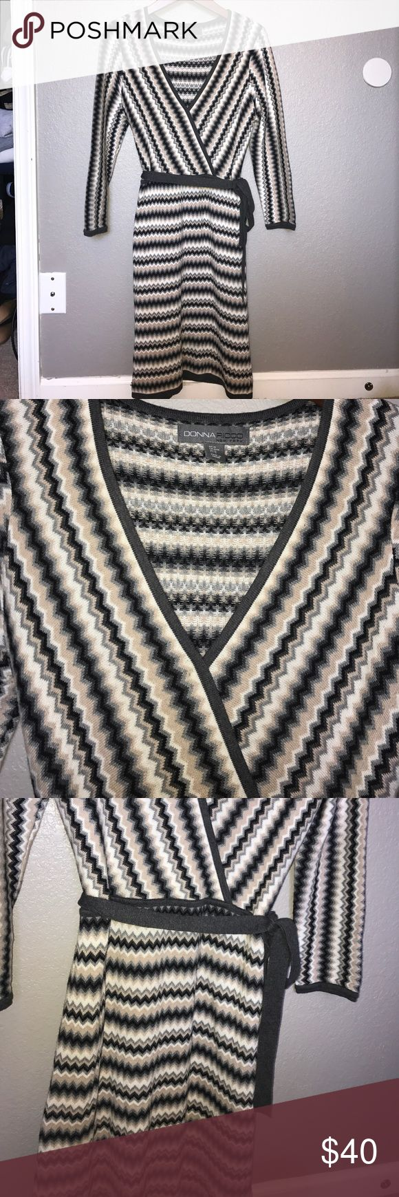 Donna Ricco Chevron Knit Dress 3/4 sleeve chevron dress. Side tie. Medium. Taupe, cream, black and gray. V-neck. Fall will be here before you know it 👌🏼💕 Excellent condition. Donna Ricco Dresses Long Sleeve