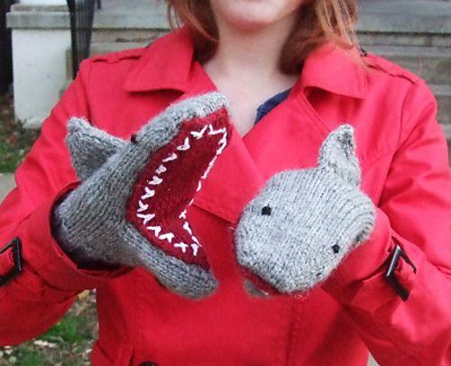 Ravelry: Deep Blue Sea: Shark Mittens pattern by Breeanna Sveum  http://www.ravelry.com/patterns/library/deep-blue-sea-shark-mittens#