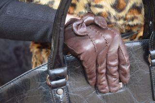 http://tohavefabulousday.blogspot.com/     Zimny wiatr i chłód coraz bardziej zaczynają nam dokuczać, wtedy nie zastąpione, są wszelkie możliwe elementy garderoby które pomogą nam zachować odpowiednią temperaturę ciała. W dzisiejszym poście, Kasia połączyła...