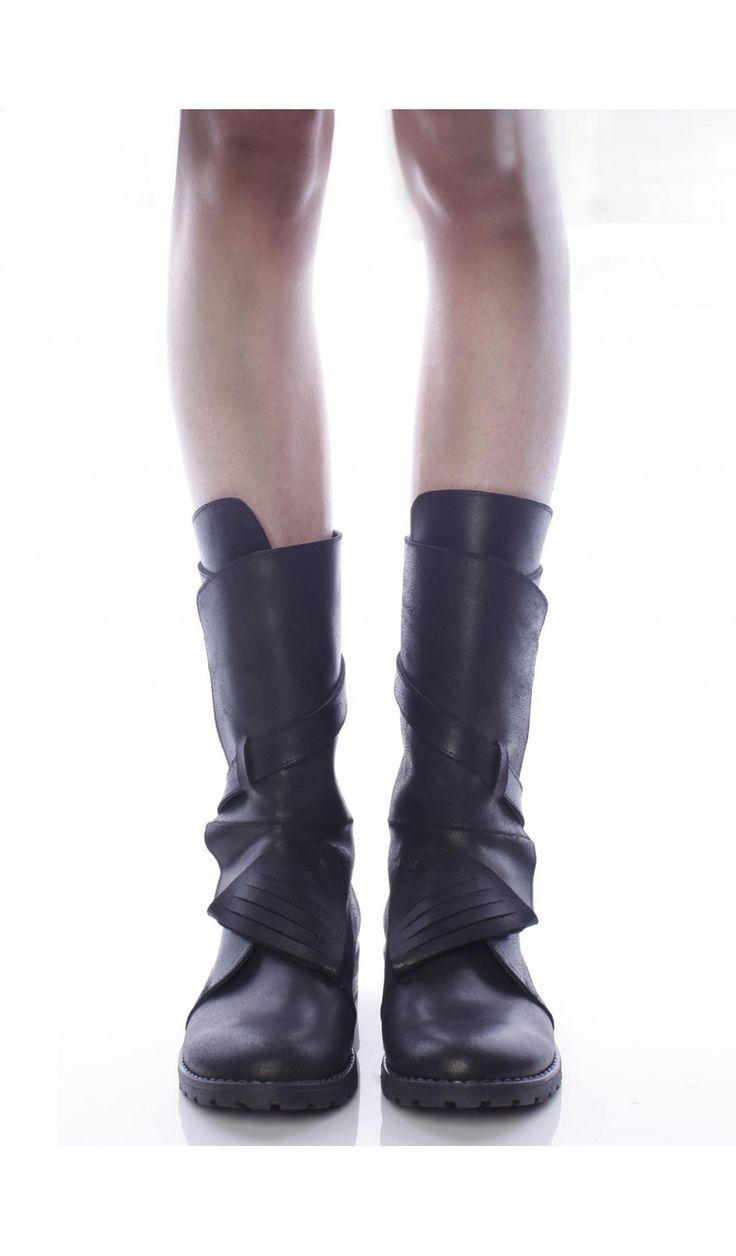 SEPALA - Bocanci negri din piele  SEPALA - Bocanci negri din piele  #bocanci #boots #moja #sepala #leatherboots