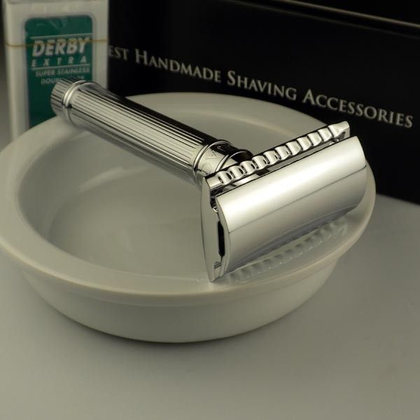 One of the best shavers we sell. Want a smooth close shave? Then treat yourself to the classic Edwin Jagger Lined Chrome DE safety razor. This fine razor is made in England with old world quality and