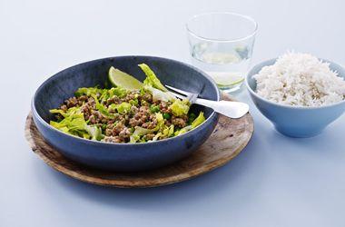 Thailandsk grøn salat med svinekød