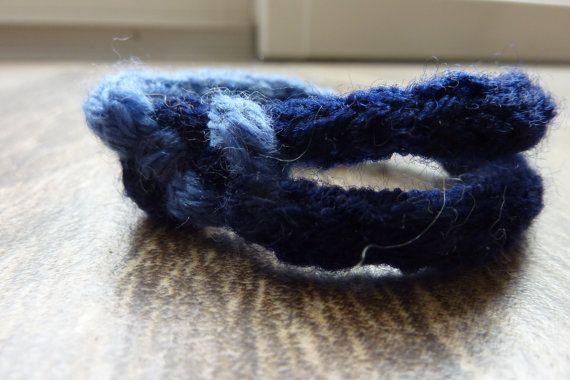 Blue bracelet with a knot