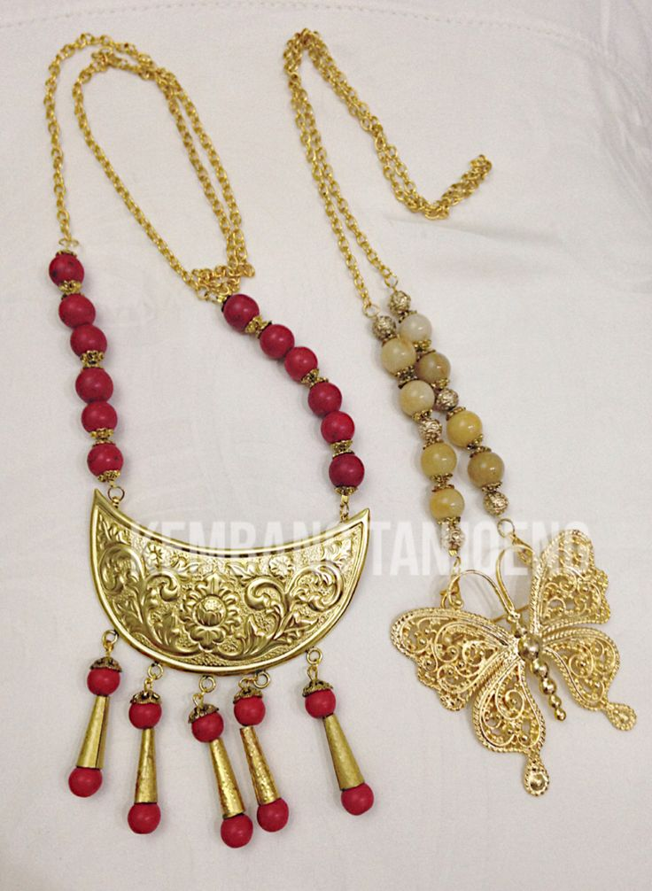 Beautiful Indonesian Ethnic filigree necklace. Copyrights Vivi Kembang Tanjoeng