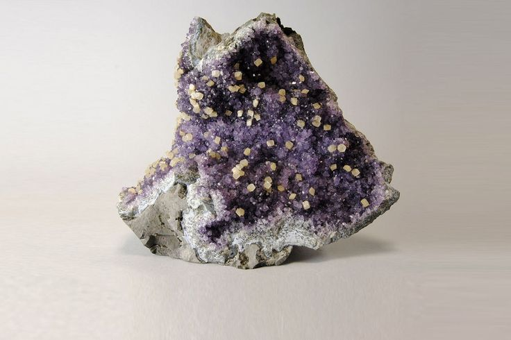 Minerals *** FANTASTIC AMETHYST with CALCITE CRYSTALS Uruguay (Code: MAME101)