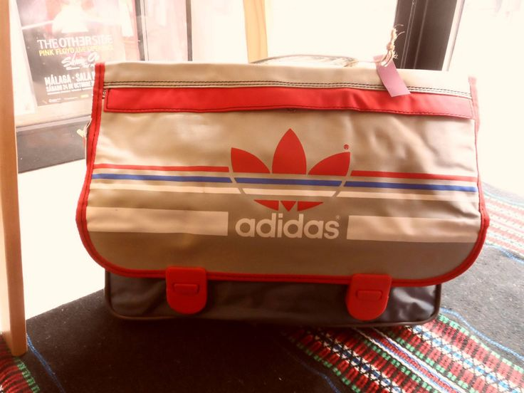 Mochila Adidas, años 70.. sin uso..