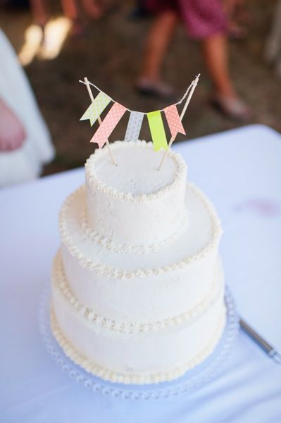 washi tape bunting.  www.washitapemexico.com for the tapes