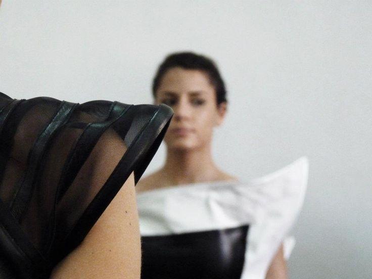 Le persone insignificanti seguono la moda, le presuntuose l'esagerano, quelle di buon gusto scendono a patti con lei. Abel Dufresne.