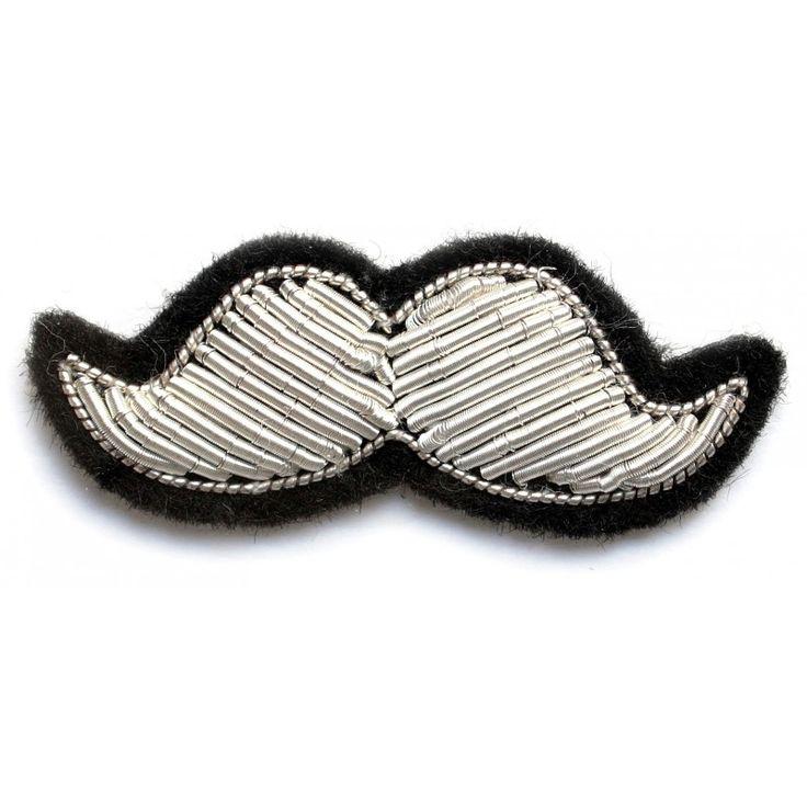 Bijou fantaisie en forme de moustache argent de Macon et Lesquoy