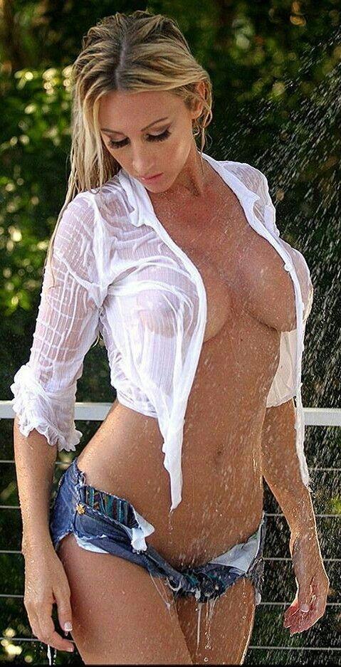 Your Daisy duke shows boobs