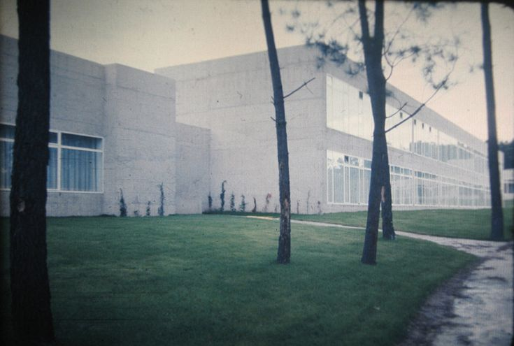 Universidade laboral ourense | Julio Cano Lasso, Jose Manuel Sanz e Antonio Ortiz | Ourense (1975)