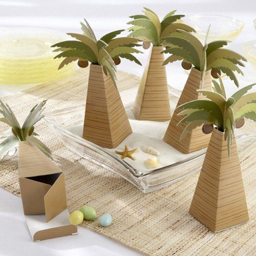 Add the perfect finishing touch to your beach themed wedding with these palm tree favor boxes.