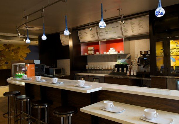 The Bistro offers breakfast and dinner at our Bloomington hotel. Dining on the road is made especially for you with hot picks, refreshing choices and plenty of healthy options. The bar in our Bistro serves beer, wine and specialty beverages every evening. It's just a fresh approach to help you stay productive when you're on the road.