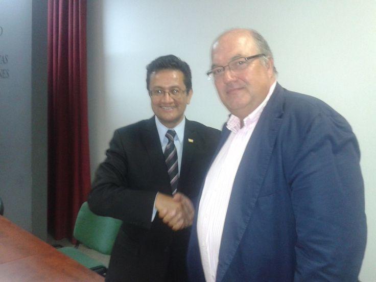 Firma acuerdo de Juan Bernardo Dolores. Presidente CIDI y Fernando Prieto. Presidente ANERR #cidilatam #rehabilitacion #reforma