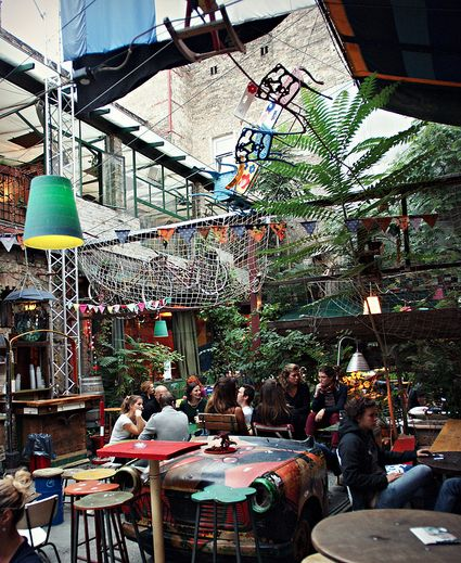 What Will Happen to Budapest's 'Ruin Pubs' Once All the Ruin Is Removed? - Arts & Lifestyle - The Atlantic Cities