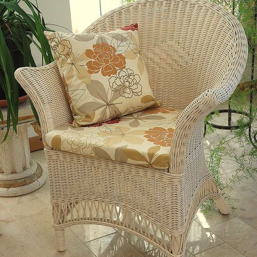 This beautifully made Loom Style Wicker Conservatory Chair and Seat Pad in a cream is classic in style and an ideal reading chair. The loom style wicker chair is a new addition to our range of small conservatory furniture no assembly is required.