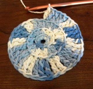 Simple Spiral Crochet Pattern Tutorial ༺✿ƬⱤღ  https://www.pinterest.com/teretegui/✿༻