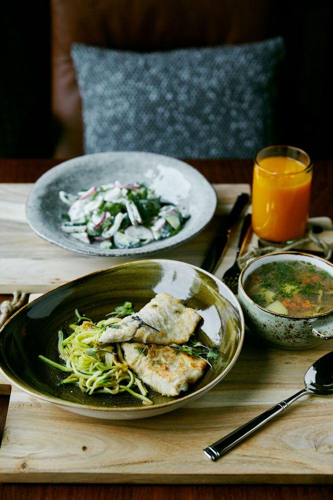 Отличные новости для тех кто проголодался!  Ресторан «Пряности & Радости» на Белинского приглашает вас на, пожалуй, самый сытный обед этой зимы! Пять идеальных сетов, среди которых любимые блюда кавказской и европейской кухни всего лишь за 350 рублей. С понедельника по пятницу, с 12:00 до 16:00. #ginzaproject #food #lunch #пряностинабелинского #russian