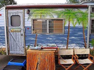 Tin Can Tahiti Exterior
