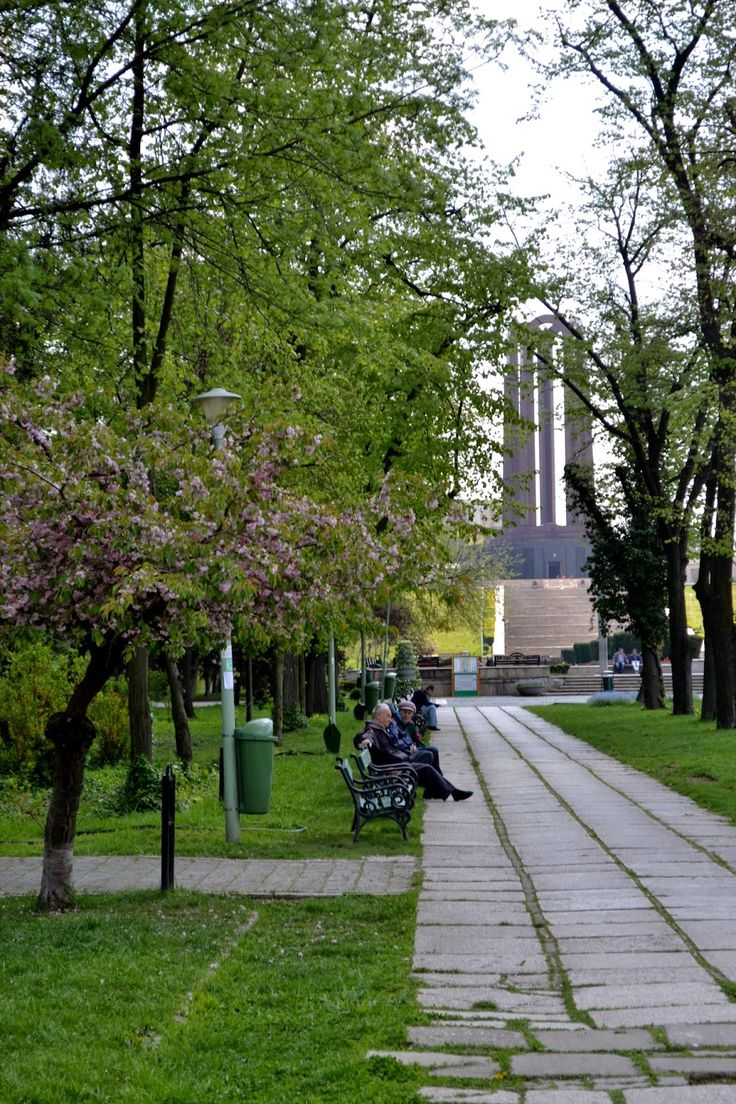 Charming Bucharest: Spring in Carol I Park