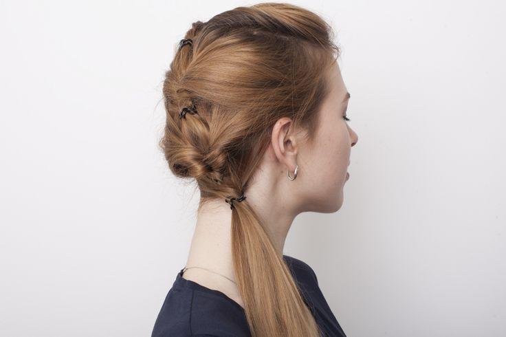 Показываем, как сделать красивые прически из длинных волос без лака, шпилек и невидимок.