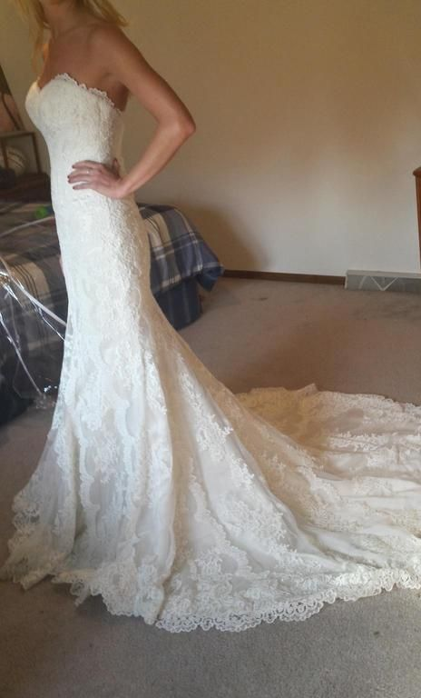 Stella York 5840: buy this dress for a fraction of the salon price on PreOwnedWeddingDresses.com