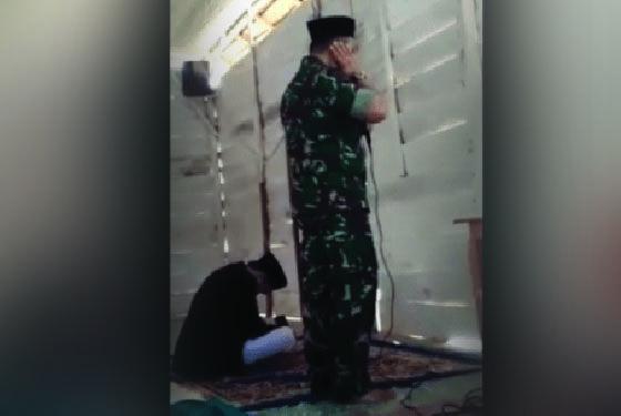 Inilah Video Suara Merdu Bupati Konawe Utara Ruksamin Saat Kumandangkan Adzan Jumat