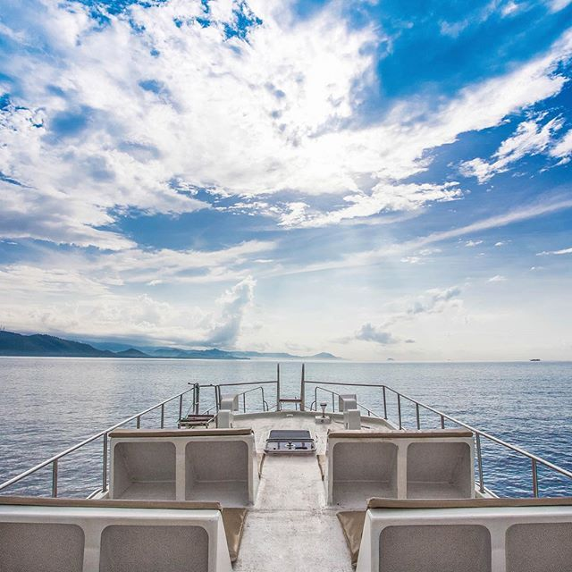 Sun deck on BlueWater Express VII, will blow your mind during the trip.