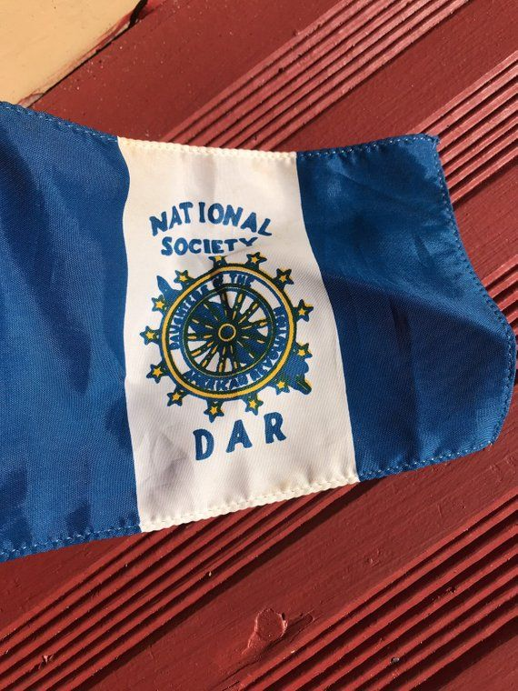 National Society Of The Daughter Of American Revolution Flag Daughters Of American Revolution American Revolution Society