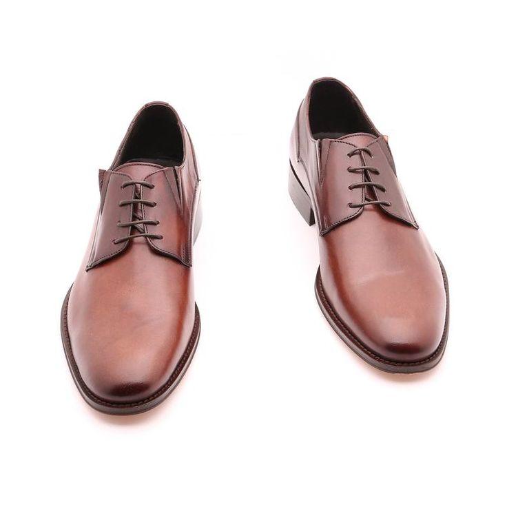 Scarpe primavera / estate per l'uomo, scarpe basse, colore marrone, vera pelle, suola in cuoio con disegno antiscivolo, fatte a mano in Italia.