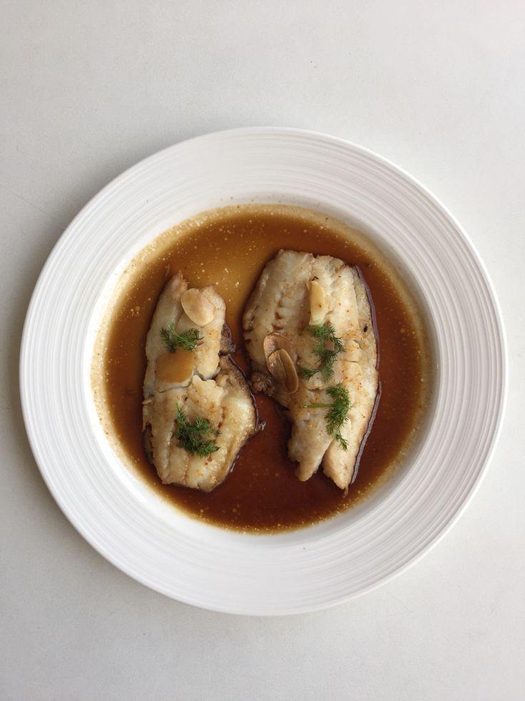 ❤️Pescado al vapor 1/3 tz Salsa de soya reducida en sodio+2 cucharitas de aceite ajonjolí +1 cucharita de vinagre de arroz + 2 dientes de ajo en laminas +chorrrito de agua y Dill