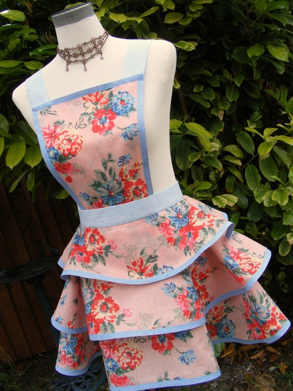 Vintage Style Aprons - Bing Images