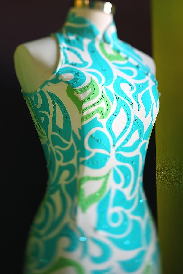 vietnamese dress with hawaiian print