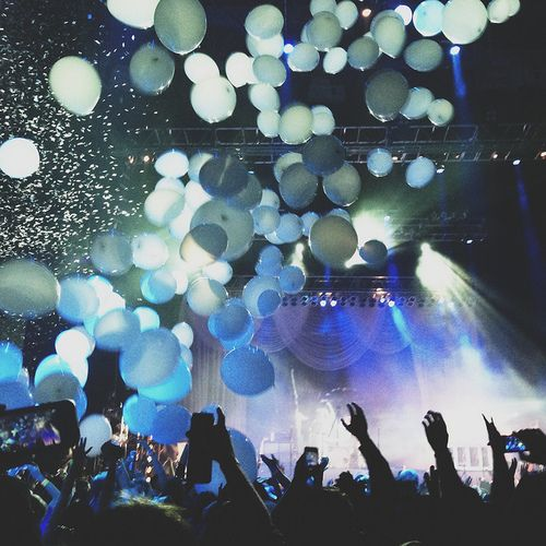 My Happiness Used To Depend On Having My Videos Go Viral: Best 25+ Concerts Ideas On Pinterest