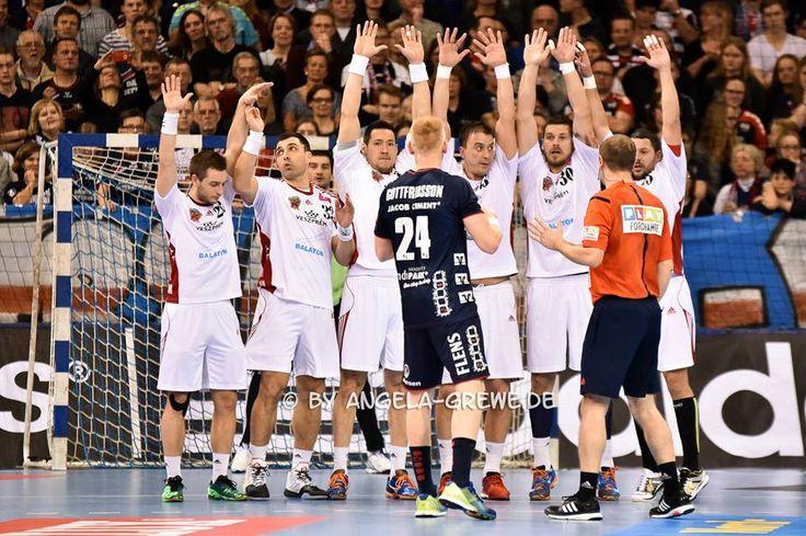 Renato: Raise your hands, Gasper!