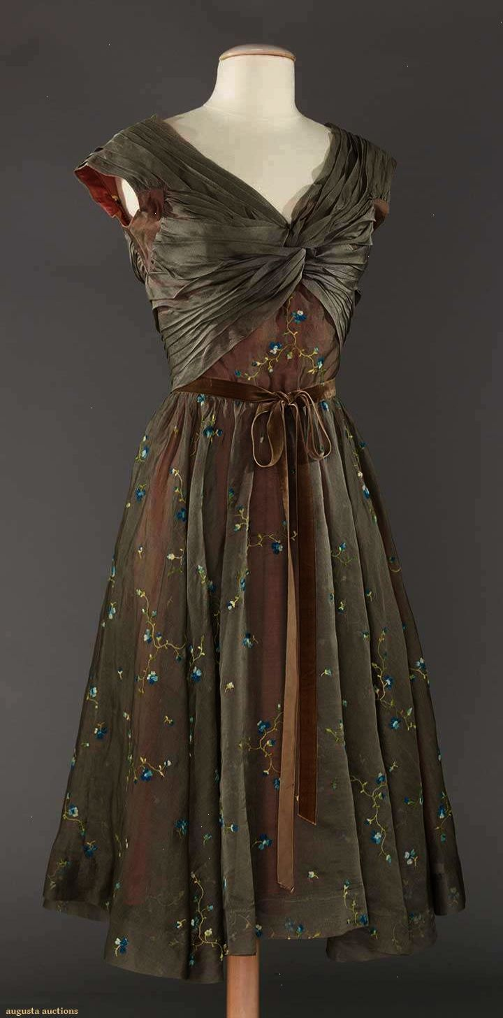 Silk Organdy Party Dress with Floral Embroidery, 14s  Kleider