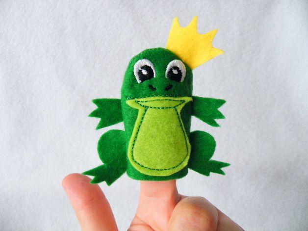 Fingerpuppen & Handpuppen - Fingerpuppe Froschkönig - ein Designerstück von Tinas-Passion bei DaWanda