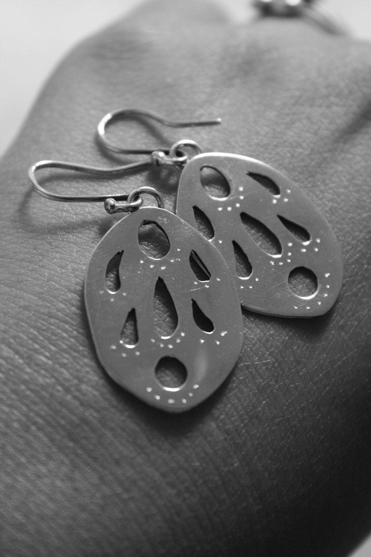 Aretes en plata 925. Diseño original de Sofia Viaud Kuny. Pieza 100% artesanal.