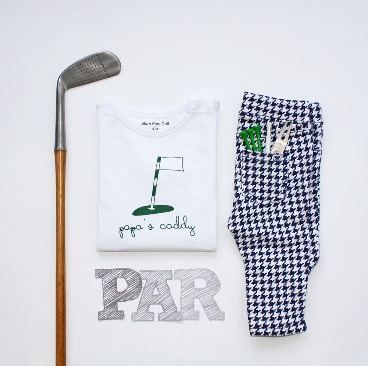 Newborn baby t-shirt ''Papa's Caddy''. The perfect baby shower gift for golf loving parents! As we say; Big golfers come in small packages ;-)
